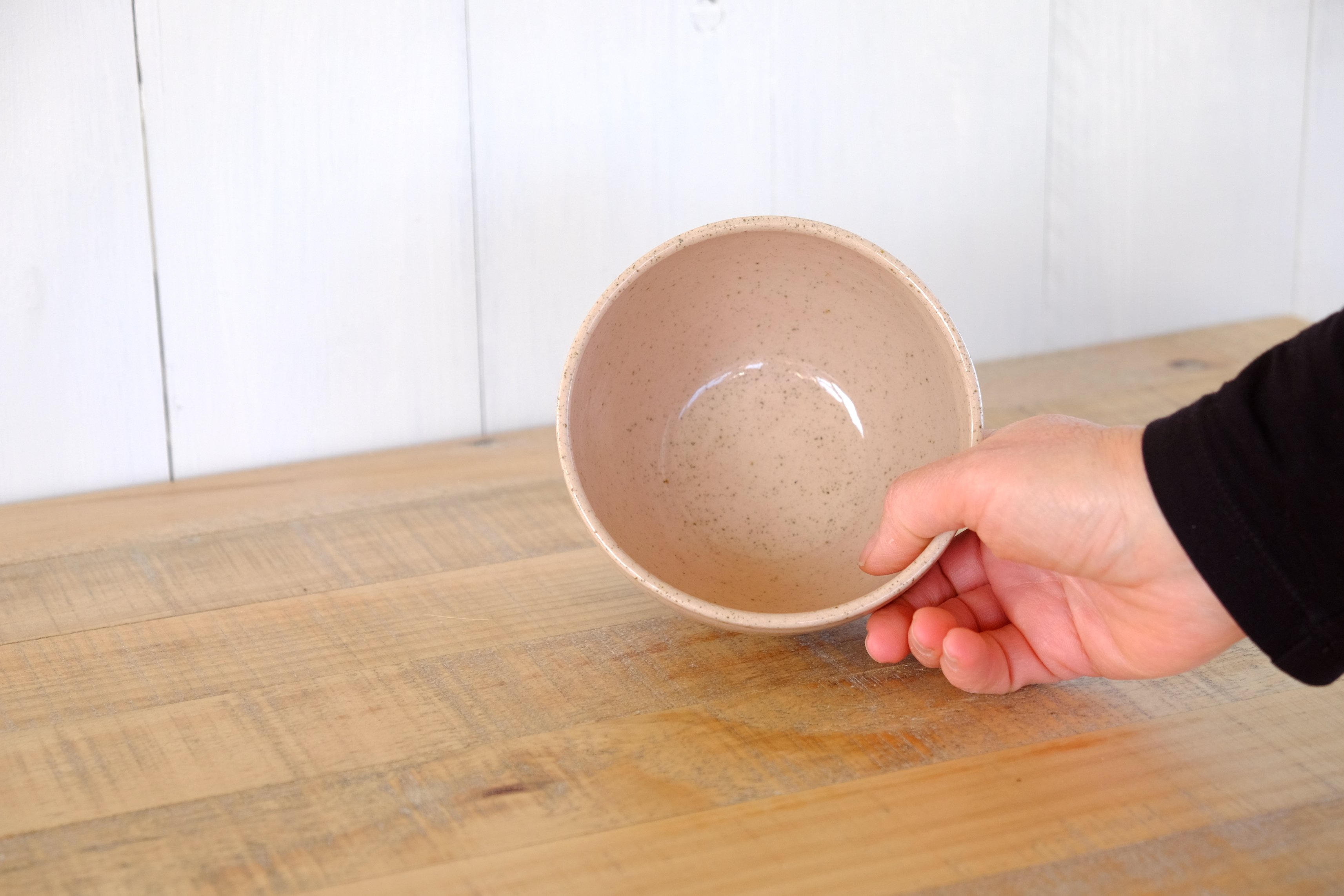 bowl_rose_speckled_w_hand